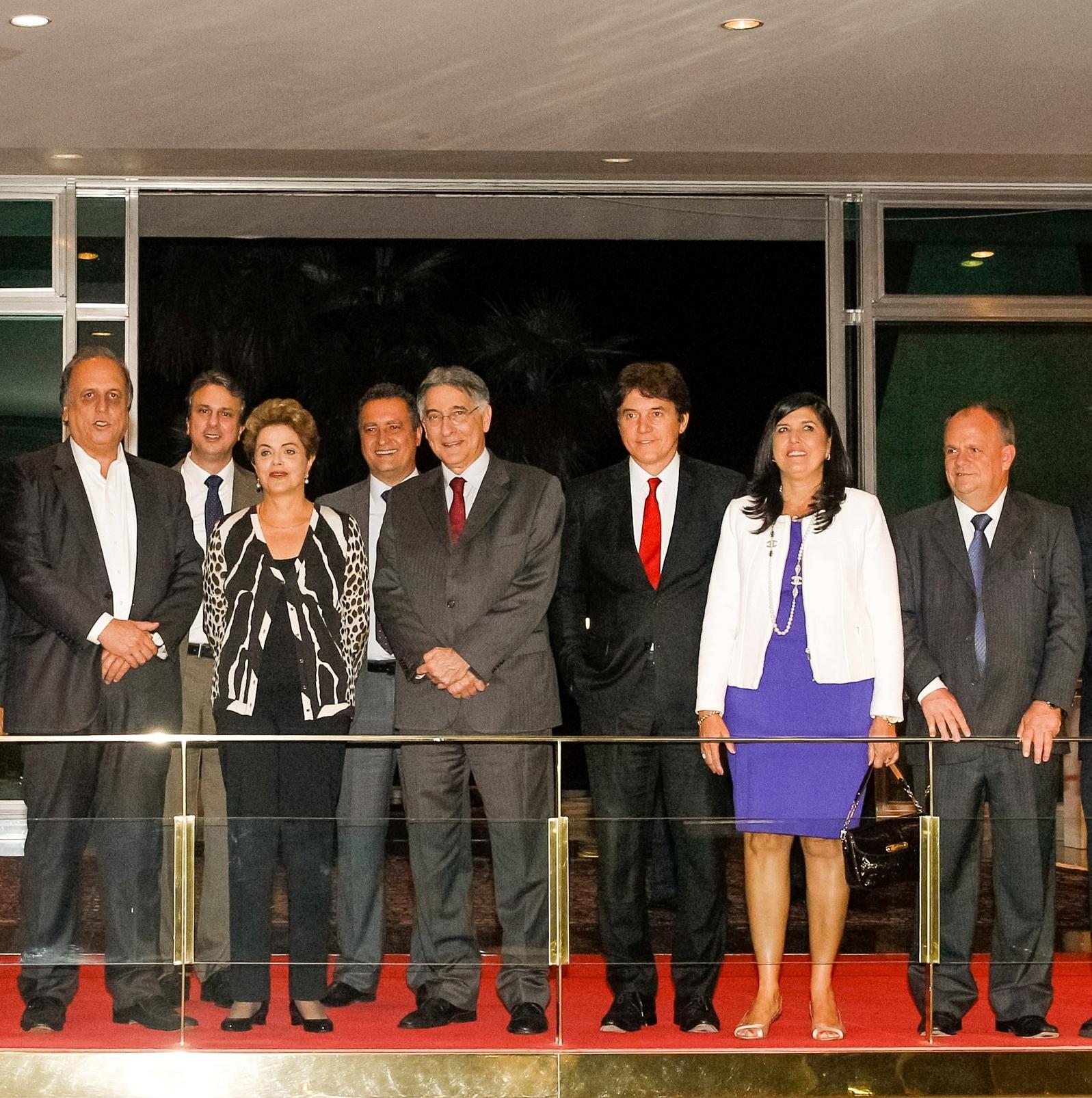 Belivaldo Chagas participa de reunião com Dilma para discutir ajustes econômicos