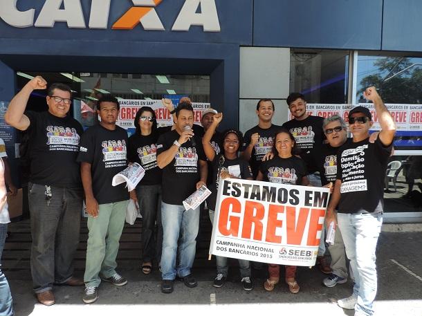 Greve continua: Fenaban apresenta proposta de apenas 7,5%