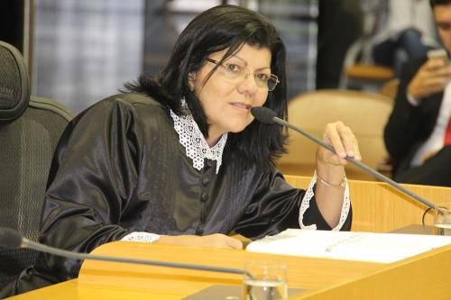 Ministério Público arquiva procedimento contra Angélica Guimarães