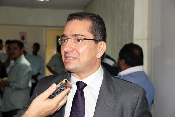 Secretário vai a Brasília em busca de recursos para a segurança