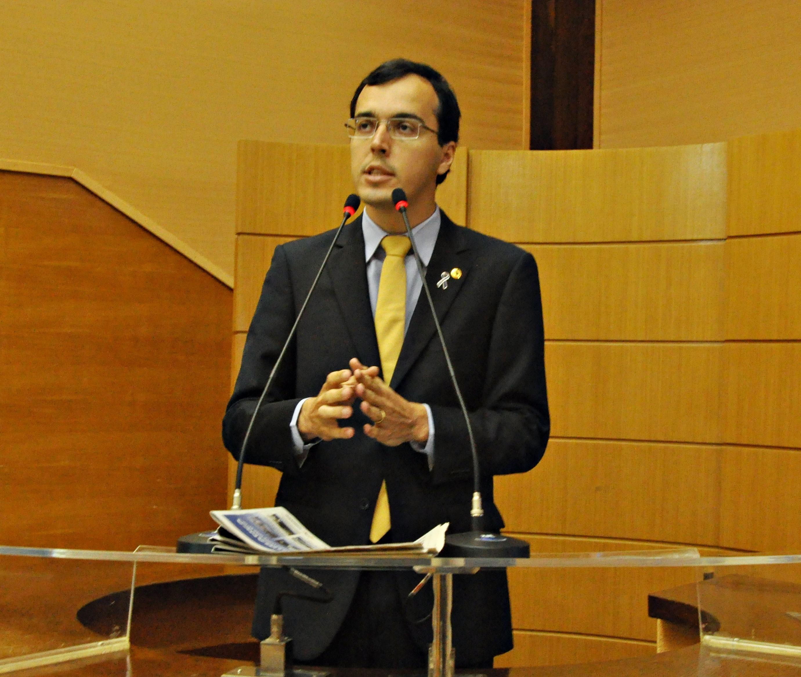 """Deputado Georgeo passos diz que  """"Sergipe tem o Governo """"Adalgiza"""": o Governo sem coração"""""""