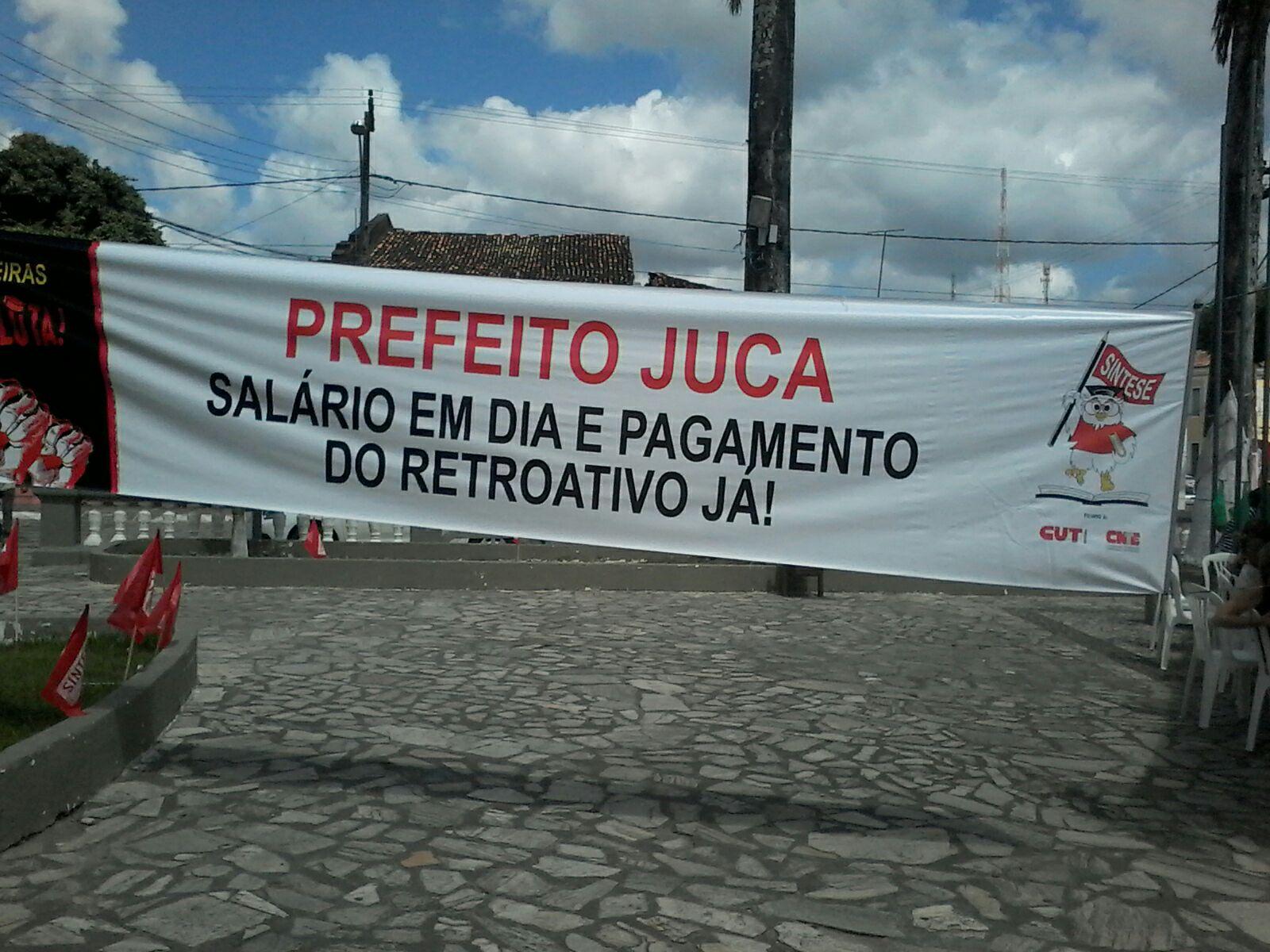 Professores de Laranjeiras vão se reunir com prefeito audiência no dia 10