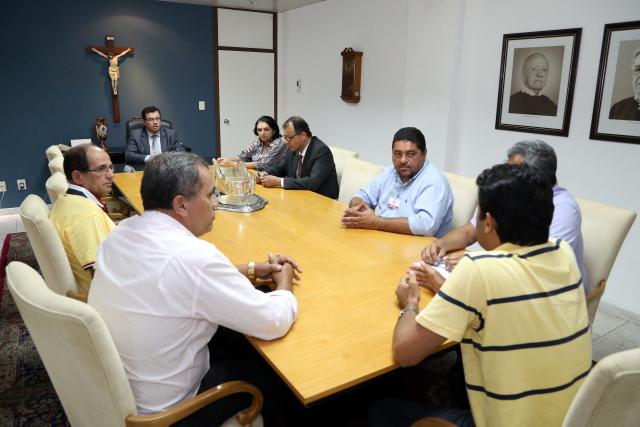 Presidente do TJSE assina permissões de uso dos prédios com Prefeitos