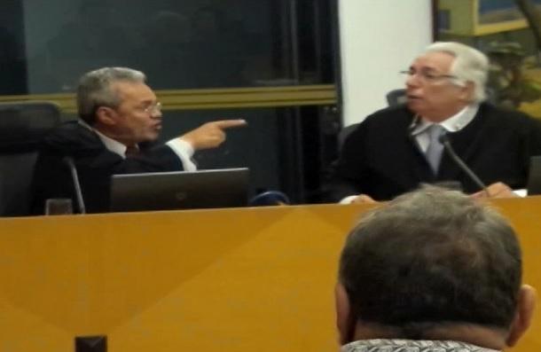 CLOVES BARBOSA- LUIZ AUGUSTO-TCE- TRIBUNAL DE CONTAS-CONSELHEIROS-CONFUSAO-BRIGA=