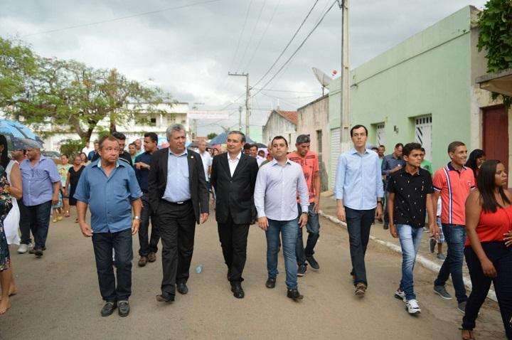 Deputado Gilson Andrade e demais parlamentares prestigiam festa de padroeira