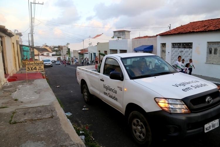 Carro Fumacê volta a circular em cinco bairros de Aracaju