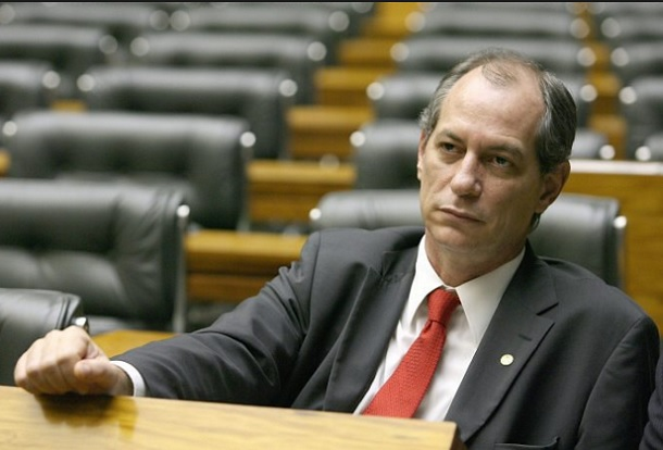 Sindifisco de Sergipe realiza coletiva de imprensa com Ciro Gomes