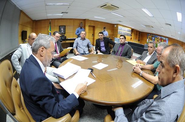 FESTA DE CARNAVAL: Tribunal de Contas  aguarda comprovação de pagamento do magistério pelos municípios