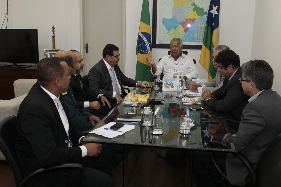 Governador convoca Judiciário e MP para unir forças contra criminalidade