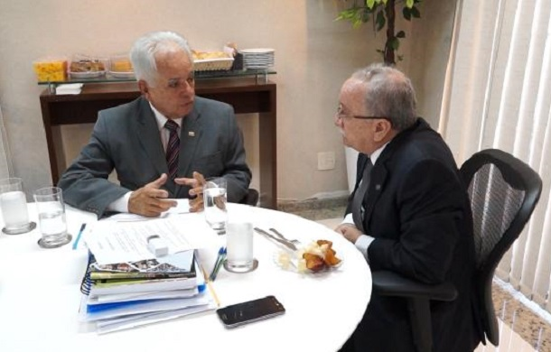Presidente da Alese se reúne com o presidente da Academia Sergipana de Letras
