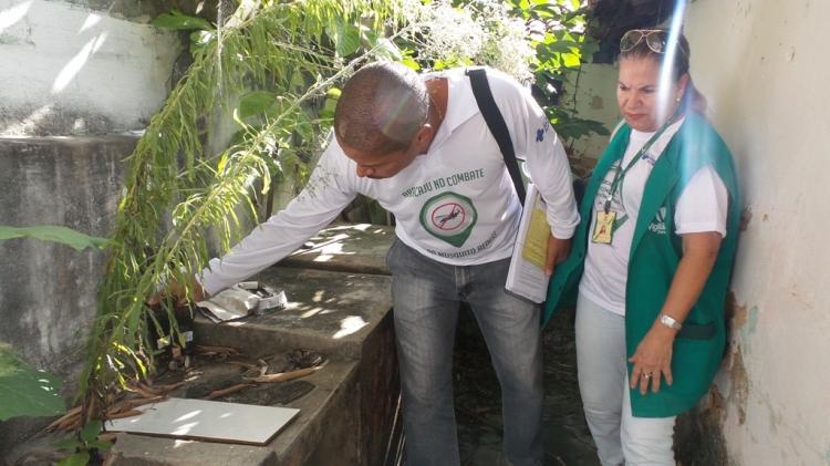 Prefeitura de Aracaju realiza vistoria em casas fechadas com suspeitas de focos do Aedes aegypti