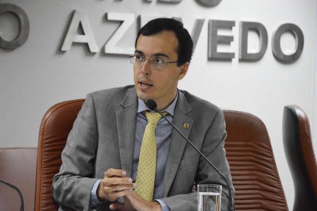 Deputado convoca servidores para votação do projeto do Ipesaúde