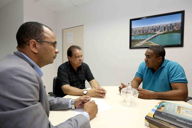 Secretário da comunicação recebe visita de diretoria do Sindelimp