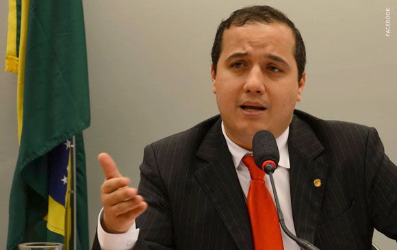 Valadares Filho pode ter apoio de mais um partido que tem secretário no governo de Jackson