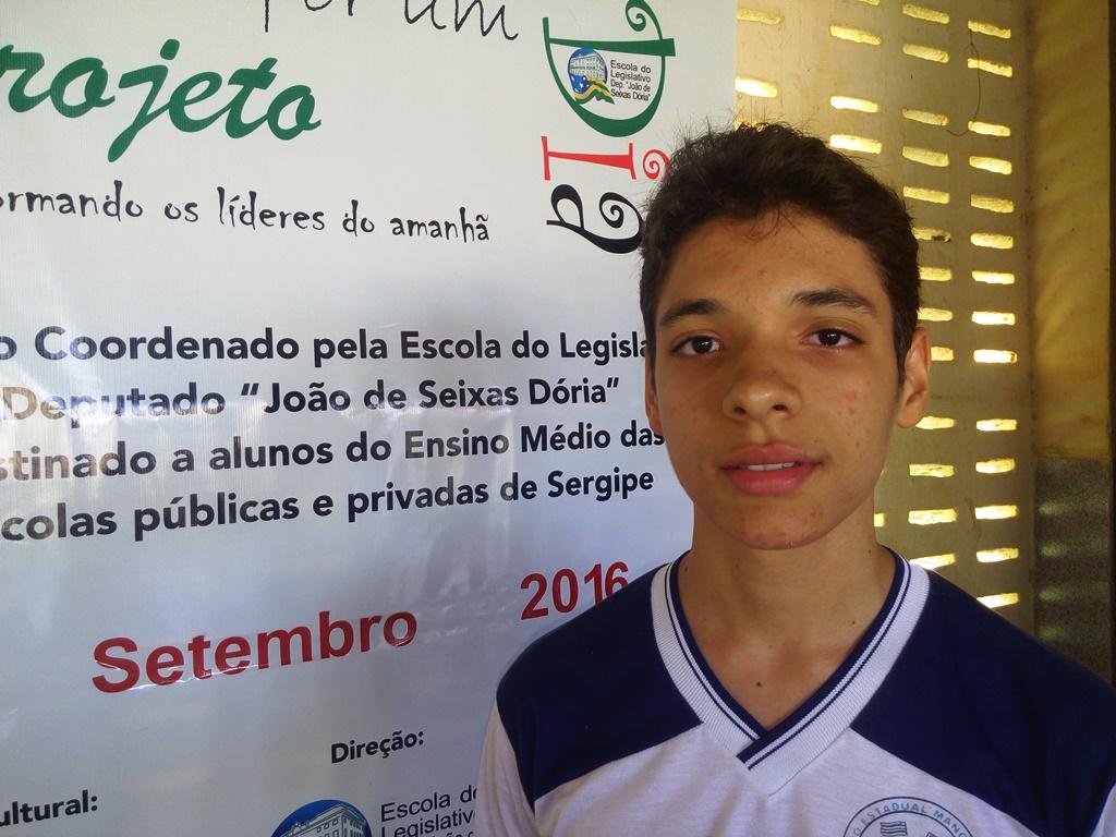 """Projeto """"Parlamentar por Um Dia"""" é apresentado para alunos do município de Arauá"""
