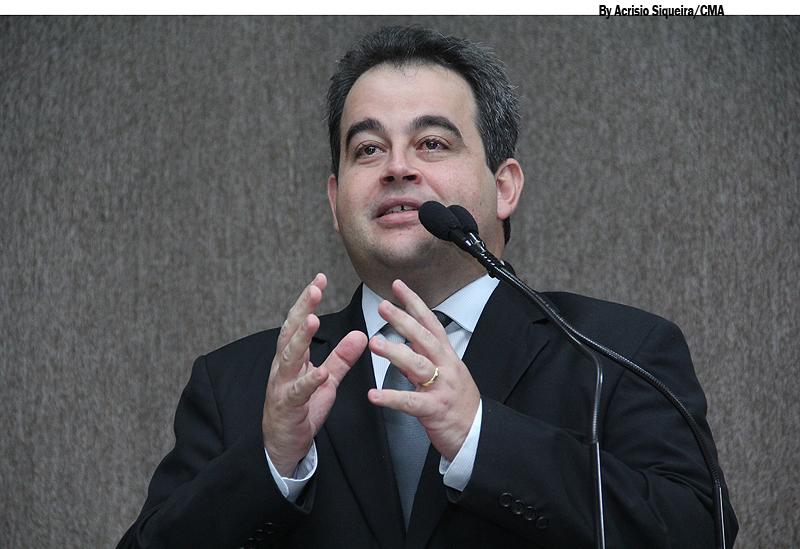 """""""PT humilha e menospreza governador"""", diz Vinicius Porto"""