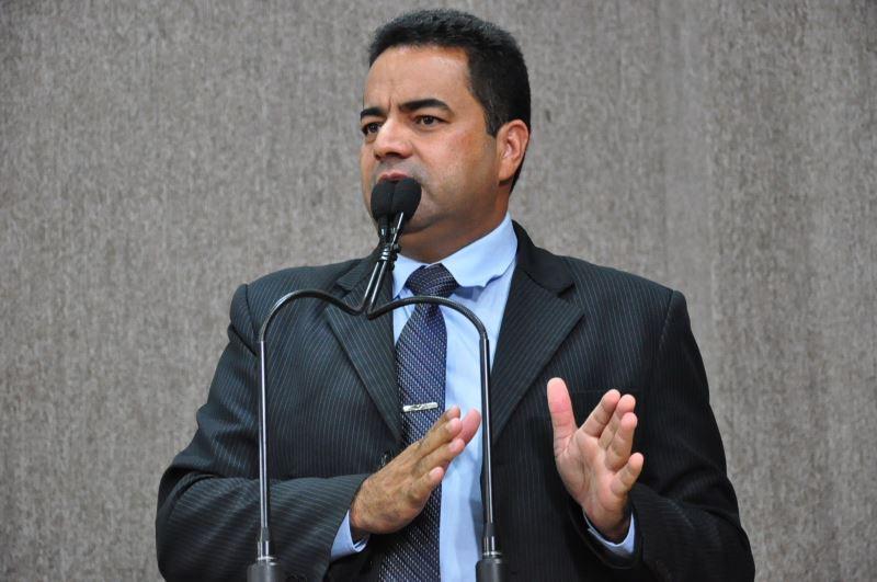Jailton Santana propõe implantação de táxi compartilhado em Aracaju