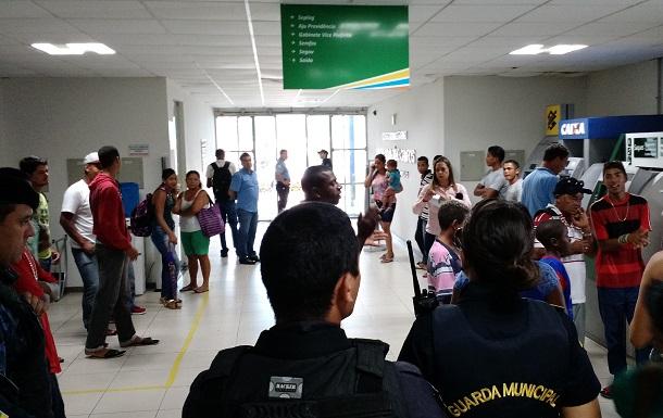 Representantes da Ocupação Nasce uma Esperança são recebidos pela secretária Maria do Carmo