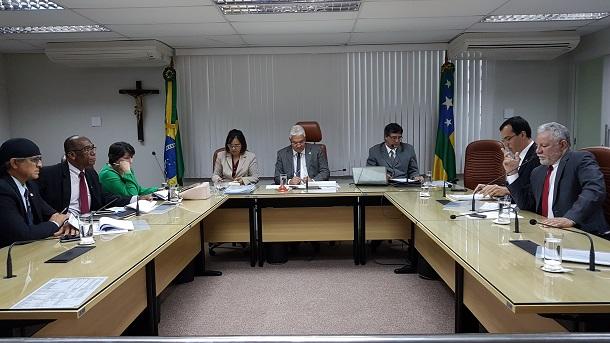 Secretario da Fazenda presta contas aos deputados sobre saúde financeira de Sergipe