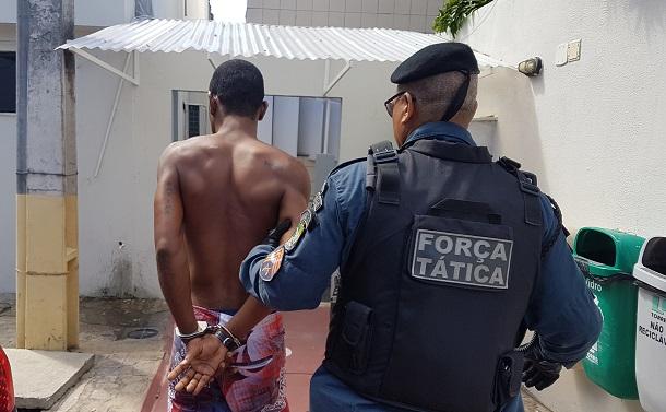 Policiais da DEROF e do 1º Batalhão prendem o terceiro acusado de assaltar igreja católica em Aracaju
