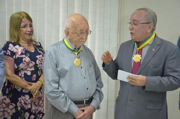"Radialista Wellington Elias recebe da ALESE ""Medalha da Ordem do Mérito Parlamentar"""