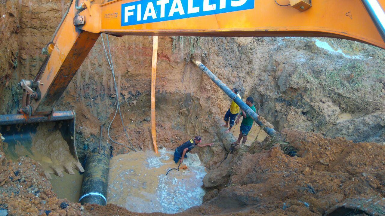 Rompimento de adutoras deixa Socorro sem água há 48h. Abastecimento normal só na terça
