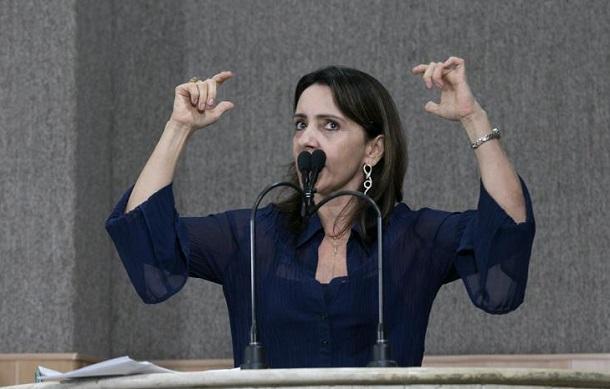 Emília Corrêa declara que a cidade de Aracaju está largada