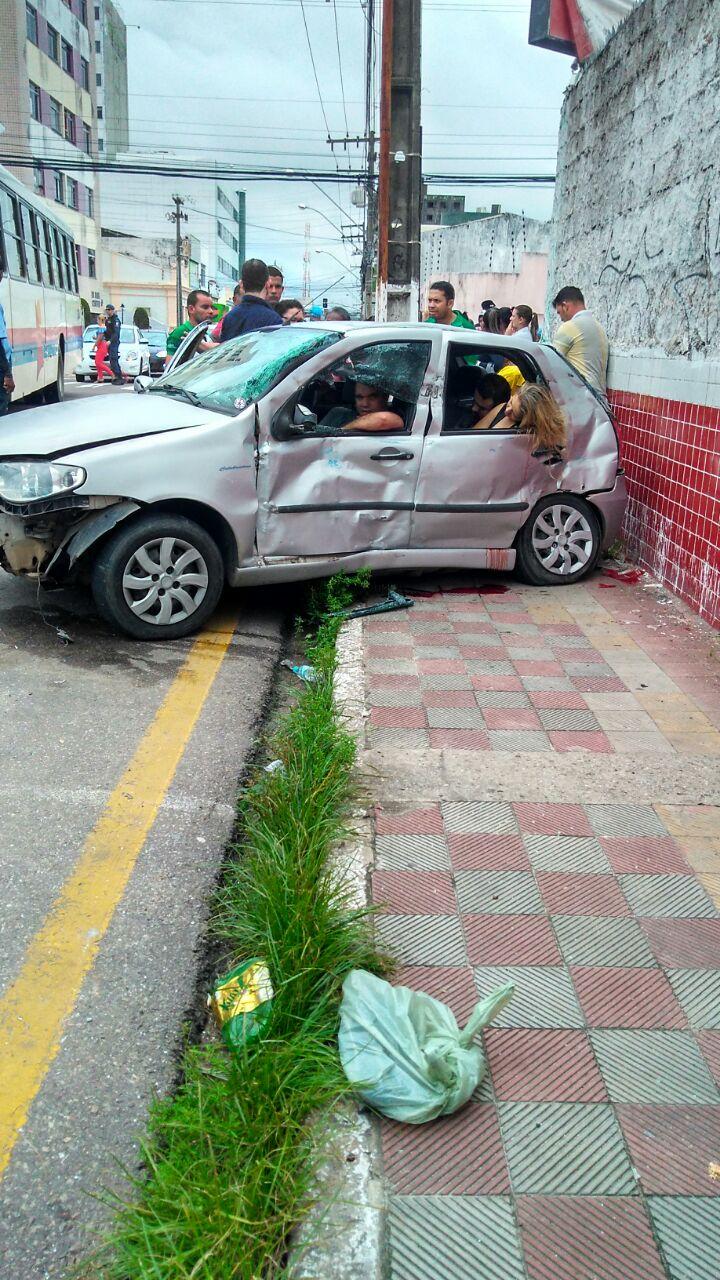 """Cantora de forró """"ELIZA CLIVIO"""" morre em acidente no centro de Aracaju- VEJA O VÍDEO"""